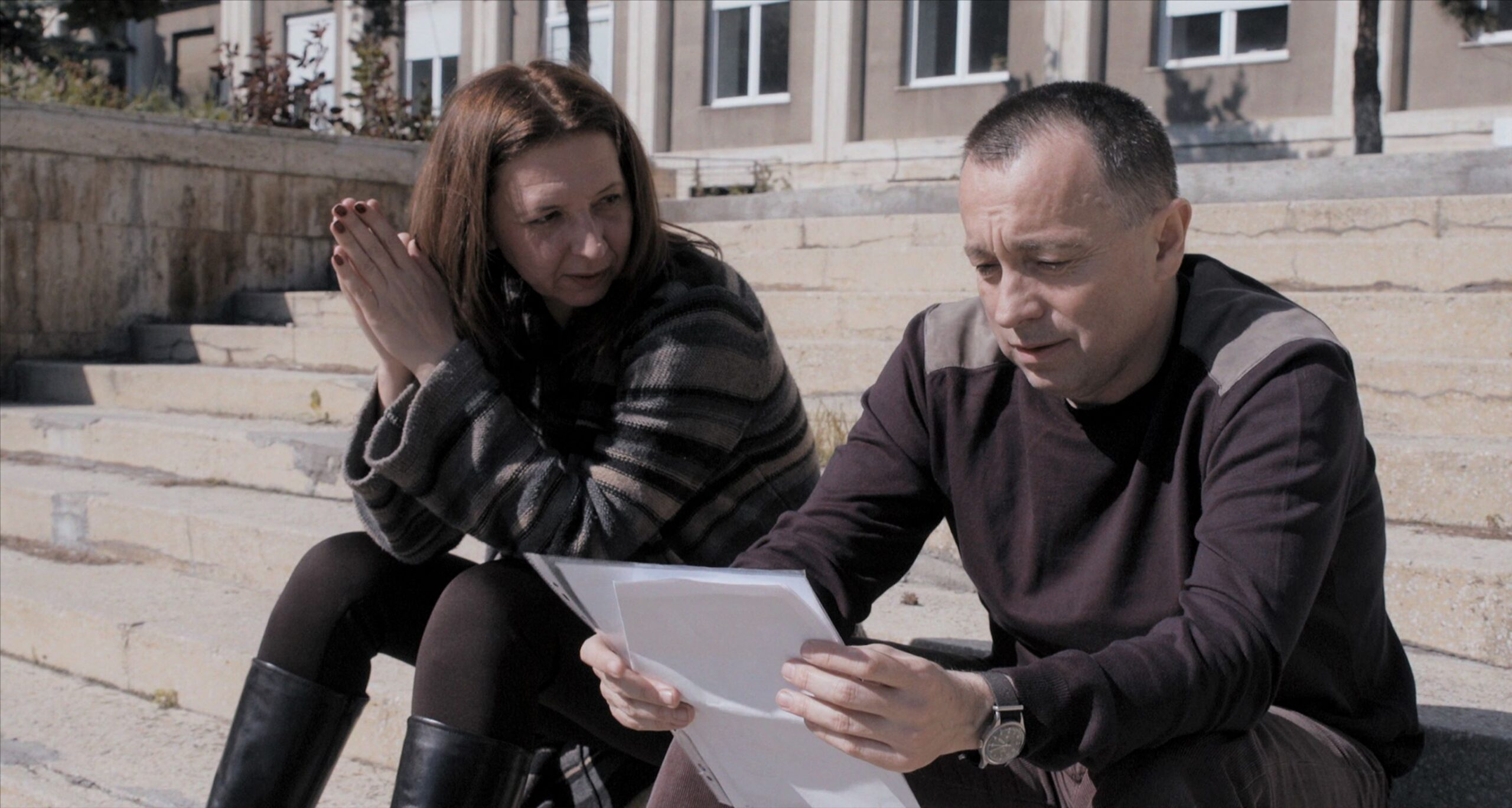 Romanian journalists Mirela Neag and Catalin Tolontan in the Romanian documentary Collective
