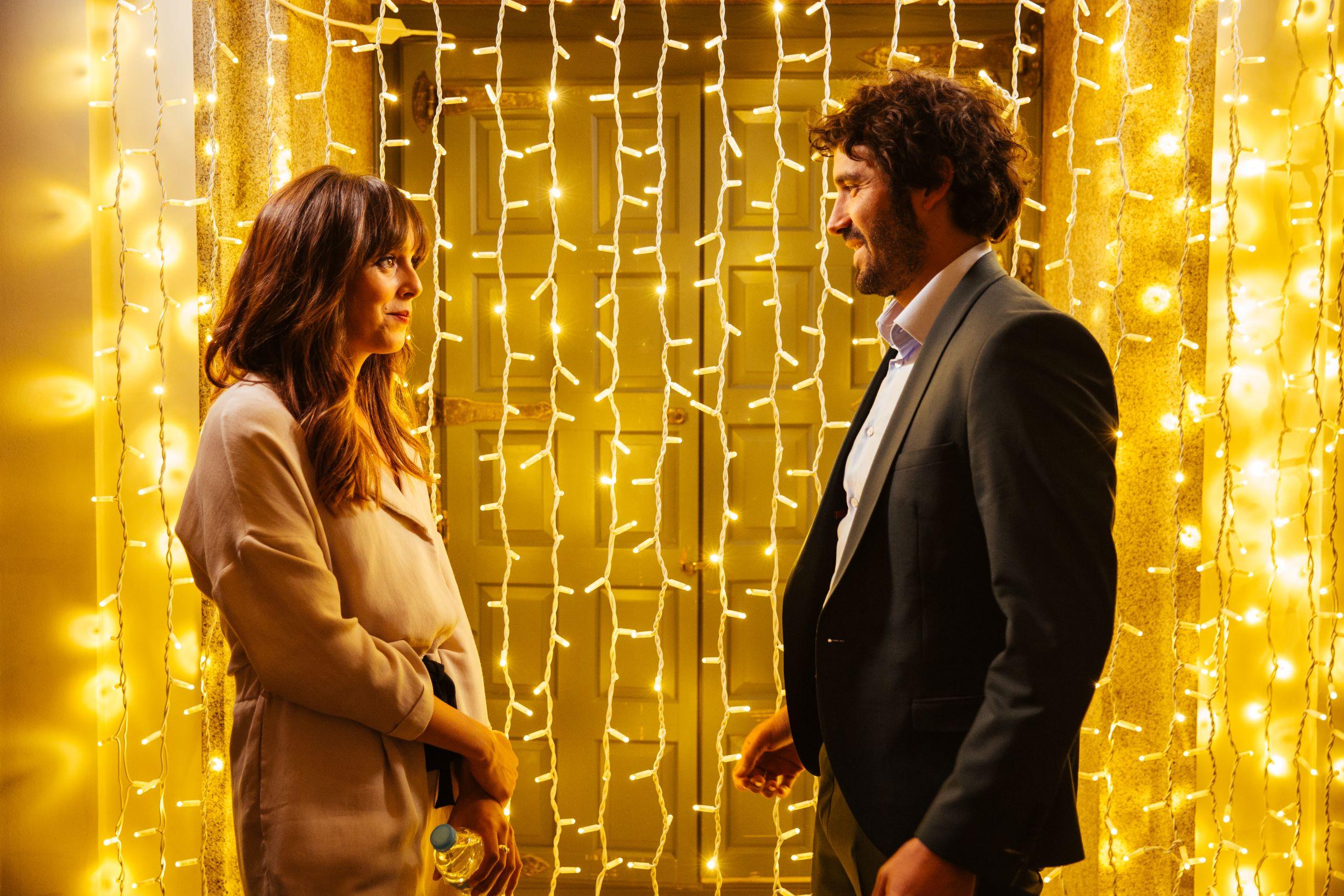 Belén Cuesta and Alex Garcia in scene from the Spanish film Hasta Que La Boda Nos Separe - The Wedding Unplanner